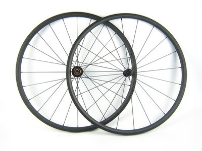 24 mm Clincher